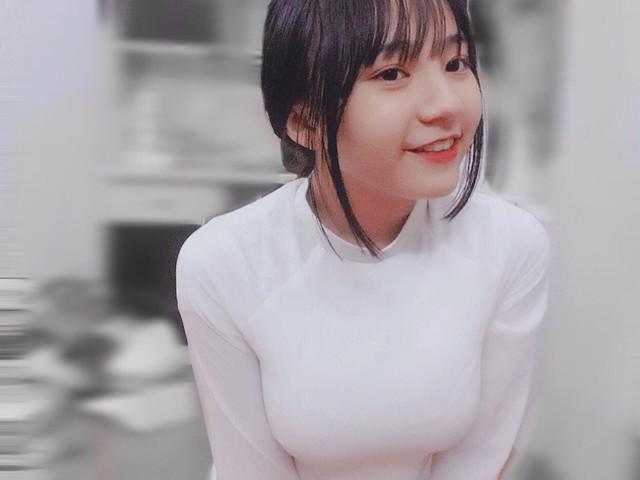 Đi xem giải vô tình lọt vào camera, cô nàng 2K4 xinh đẹp phổng phao bị cộng đồng CS:GO Việt săn info ráo riết - Ảnh 5.
