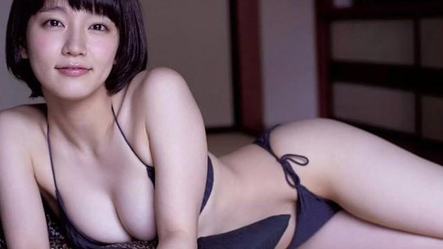 Mê hồn với tiên nữ tắm suối nóng bỏng ở Nhật Bản, giỏi thư pháp lại còn biết chơi cả kèn saxophone - Ảnh 6.