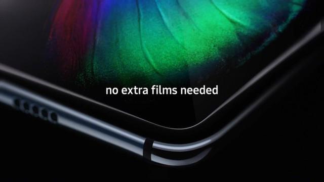 Nâng như nâng trứng: Samsung khuyến cáo người dùng Galaxy Fold không chạm quá mạnh vào màn hình để tránh làm hỏng máy - Ảnh 1.