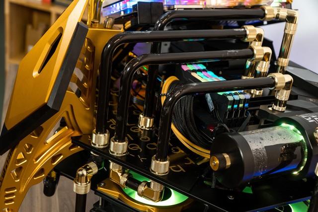 Bộ máy tính trông như quái vật ngoài hành tinh, để ở nhà dọa trẻ con thì hoàn hảo - Ảnh 12.