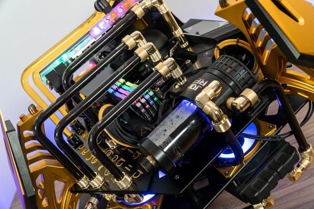 Bộ máy tính trông như quái vật ngoài hành tinh, để ở nhà dọa trẻ con thì hoàn hảo - Ảnh 8.