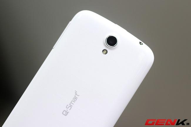 """Đánh giá Q-Smart S53: Smartphone 2 sim màn hình lớn, pin """"trâu"""""""