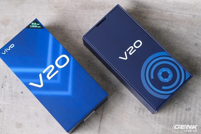Cận cảnh Vivo V20 vừa ra mắt tại Việt Nam: Màu đẹp, camera trước có eye-tracking là điểm mới nhưng tại sao vẫn dùng màn giọt nước? - Ảnh 2.