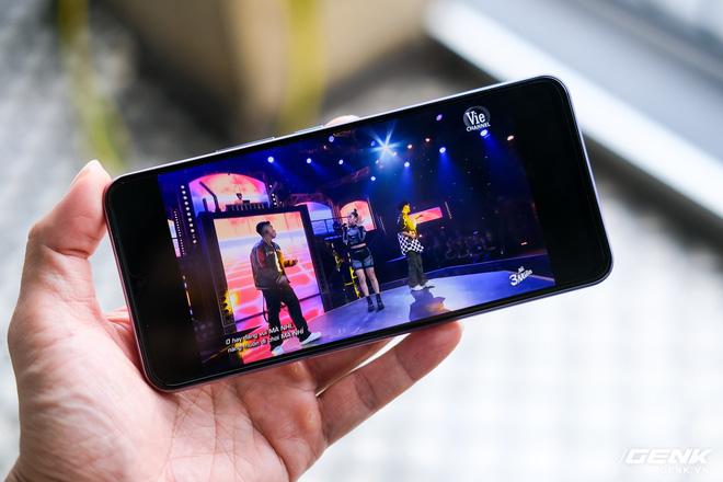 Cận cảnh Vivo V20 vừa ra mắt tại Việt Nam: Màu đẹp, camera trước có eye-tracking là điểm mới nhưng tại sao vẫn dùng màn giọt nước? - Ảnh 14.