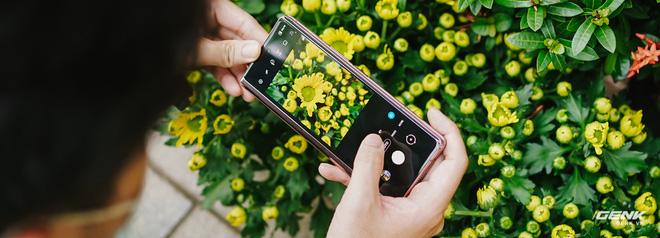 Trải nghiệm Samsung Galaxy Z Fold2: Người giàu không chơi game? - Ảnh 8.