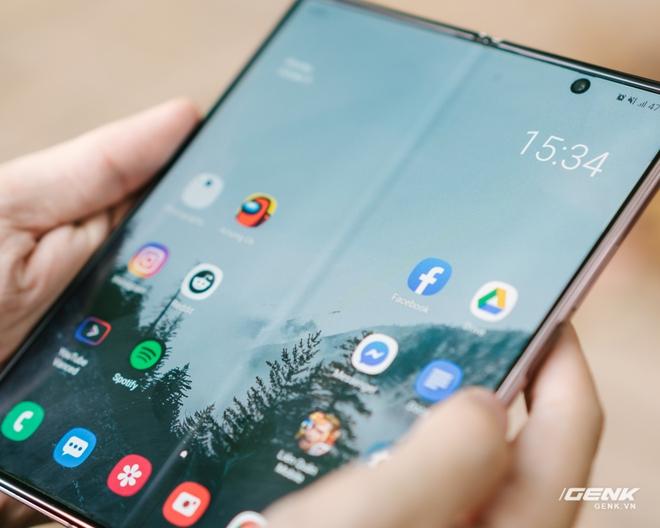 Trải nghiệm Samsung Galaxy Z Fold2: Người giàu không chơi game? - Ảnh 17.