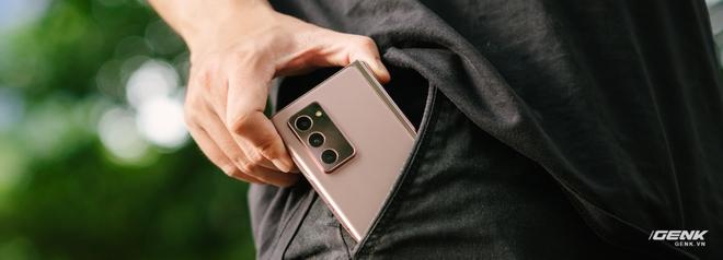 Trải nghiệm Samsung Galaxy Z Fold2: Người giàu không chơi game? - Ảnh 14.