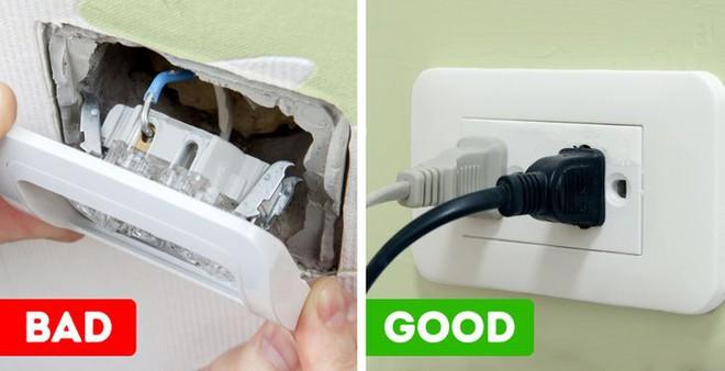 6 dấu hiệu cho thấy nhà bạn có vấn đề về điện, cần khắc phục càng sớm càng tốt - Ảnh 3.