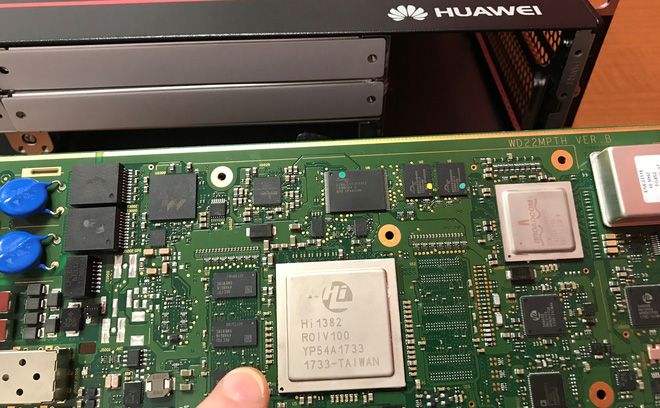 Mổ xẻ trạm gốc 5G Huawei mới thấy công ty Trung Quốc cần linh kiện Mỹ đến mức nào - Ảnh 2.
