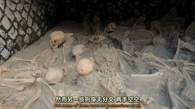 Não sôi lên, hộp sọ nổ tung, cơ bắp bốc hơi và mô bị thủy tinh hóa, khoảnh khắc bị núi lửa hủy diệt còn kinh hoàng hơn địa ngục - Ảnh 23.