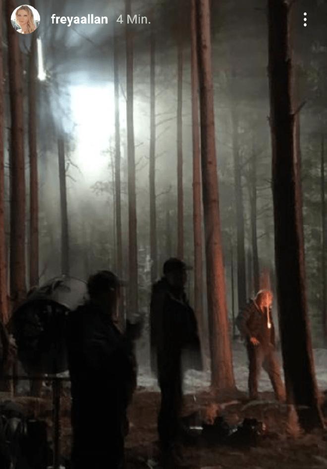 Những hình ảnh đầu tiên của The Witcher mùa 2 lộ diện: Ciri đã đến Kaer Morhen, Geralt vẫn ngầu như cũ nhưng sao Yennefer lại xụi lơ thế này? - Ảnh 7.