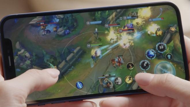 """iPhone 12 đem đến trải nghiệm LOL với """"mức độ chi tiết cao hơn bất kỳ nền tảng nào khác"""", theo CEO của Riot Games."""