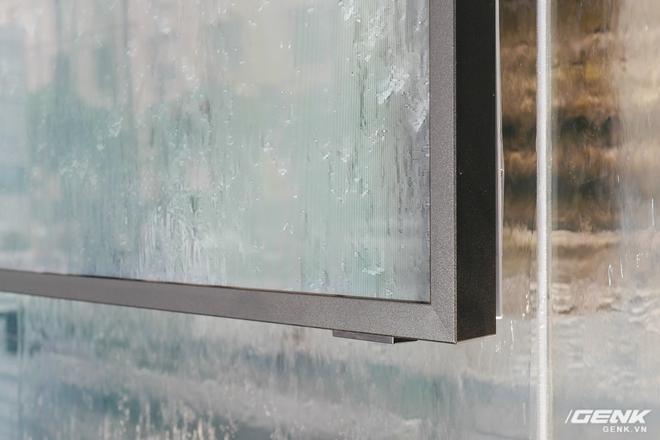 Ảnh thực tế TV QLED xối nước không hỏng của Samsung: Để ngoài trời mưa gió chill thoải mái, giá thấp nhất 99,9 triệu đồng - Ảnh 6.