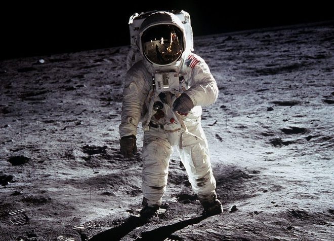 Sau hơn 60 năm, cuối cùng thì NASA cũng làm được một cái toilet nữ ngoài vũ trụ - Ảnh 1.