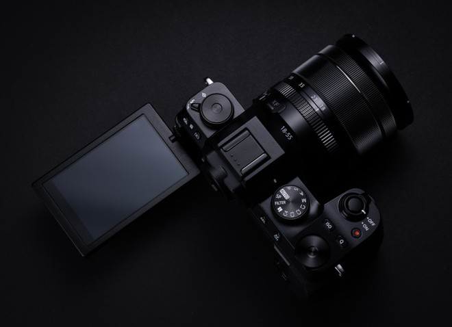Fujifilm công bố máy ảnh X-S10: Nhỏ nhắn, vừa túi tiền, đủ tính năng - Ảnh 3.
