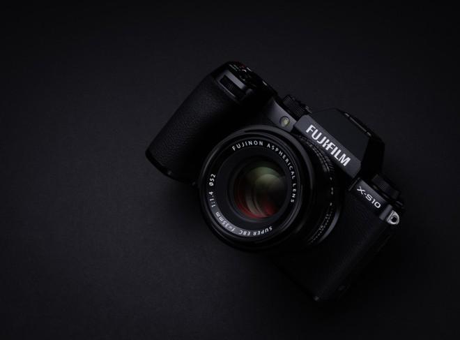 Fujifilm công bố máy ảnh X-S10: Nhỏ nhắn, vừa túi tiền, đủ tính năng - Ảnh 4.