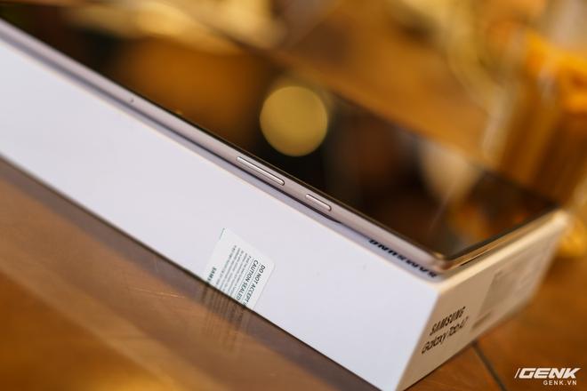 Mở hộp Samsung Galaxy Tab A7: thiết kế pha lẫn hoài cổ và hiện đại, loa là điểm mạnh - Ảnh 13.