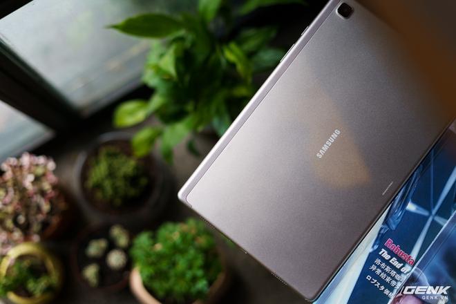 Mở hộp Samsung Galaxy Tab A7: thiết kế pha lẫn hoài cổ và hiện đại, loa là điểm mạnh - Ảnh 7.
