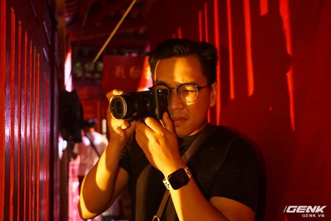 Máy ảnh thay ống kính Full Frame nhỏ nhất của Sony chính thức bán ra tại thị trường Việt Nam, giá 41,99 triệu đồng cho thân máy - Ảnh 7.