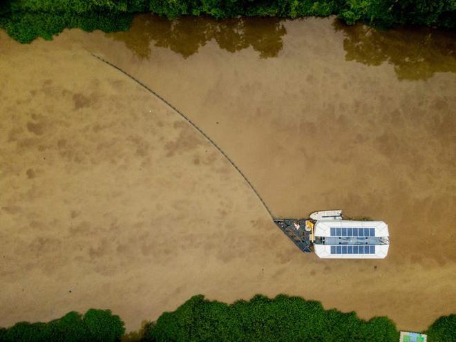 Chàng thanh niên mang hoài bão dọn sạch biển hợp tác cùng Microsoft, chế tạo tàu gom rác tự hành chạy bằng năng lượng Mặt Trời - Ảnh 9.