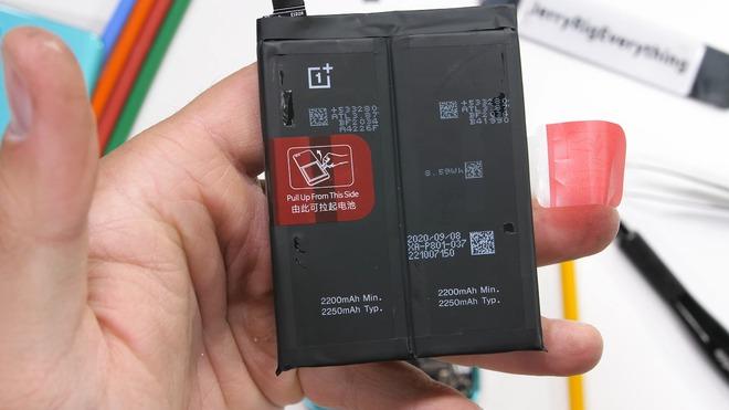 Bên trong OnePlus 8T: mọi thứ đều gấp đôi, 2 viên pin, 2 hệ thống làm mát - Ảnh 1.