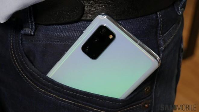 Galaxy S21 sẽ có chi phí sản xuất thấp hơn so với S20, giá bán có thể sẽ giảm - Ảnh 1.
