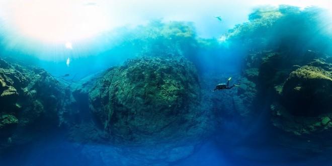 Choáng ngợp trước bức ảnh panorama độ phân giải 826.9MP dưới lòng đại dương xanh - Ảnh 2.