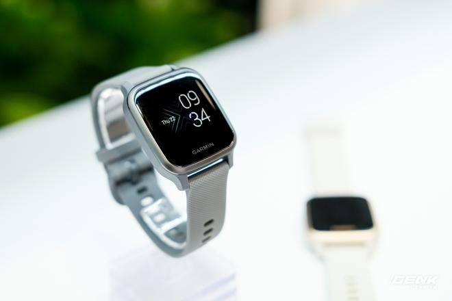 Cận cảnh smartwatch Garmin Venu Sq: Nhỏ nhắn, nhẹ đến nỗi đeo như không đeo, 20 chế độ luyện tập thể thao, đo được nồng độ Oxy trong máu, giá bằng 1 nửa bản Venu gốc - Ảnh 3.