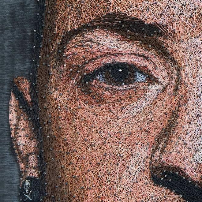 Chỉ bằng đinh và sợi chỉ, nghệ sỹ người Nga khiến người xem trầm trồ thán phục với các tác phẩm nghệ thuật chân dung độc đáo - Ảnh 2.