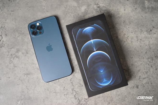 Cảm nhận nhanh về iPhone 12 Pro: Đẹp, nhưng không đáng tiền - Ảnh 1.