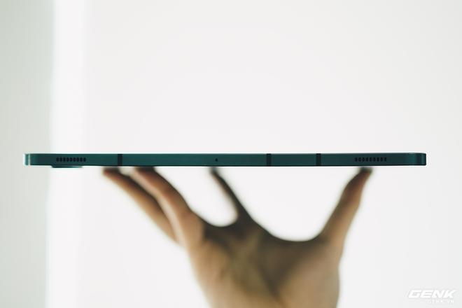 Đánh giá Galaxy Tab S7+: Hoàn toàn có cửa cạnh tranh với iPad - Ảnh 3.