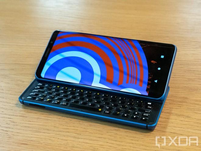 Diễn đàn công nghệ XDA trình làng smartphone đầu tiên Pro1-X: Chạy được cả LineageOS và Ubuntu Touch - Ảnh 3.