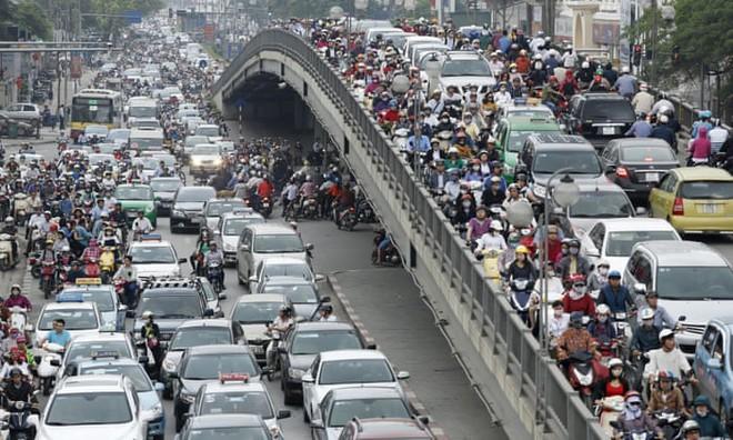 Nghiên cứu: Người đi xe máy ở Hà Nội đang bị phơi nhiễm carbon đen gấp 3 lần người đi xe bus - Ảnh 3.