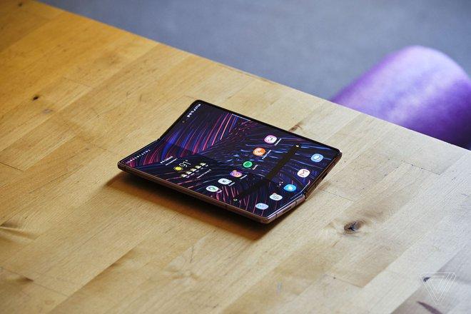 Samsung đạt doanh thu cao kỷ lục nhờ bán được nhiều smartphone flagship - Ảnh 1.