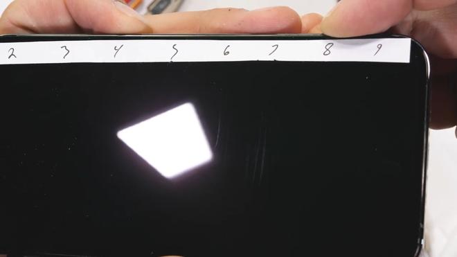 Tra tấn iPhone 12 Pro: Màn hình Ceramic Shield bền nhưng không chống xước - Ảnh 3.