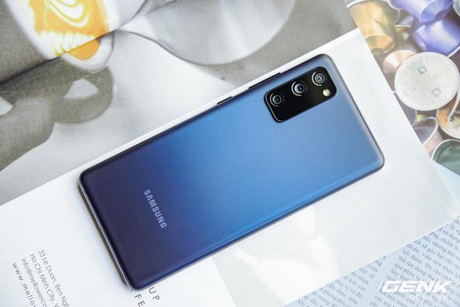 Cận cảnh chiếc điện thoại flagship Galaxy S20 dành riêng cho fan của Samsung: 16 triệu đồng cho trải nghiệm cao cấp là hoàn toàn có thể - Ảnh 3.