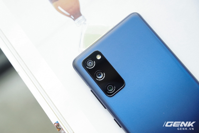 Cận cảnh chiếc điện thoại flagship Galaxy S20 dành riêng cho fan của Samsung: 16 triệu đồng cho trải nghiệm cao cấp là hoàn toàn có thể - Ảnh 6.