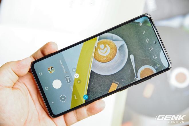 Cận cảnh chiếc điện thoại flagship Galaxy S20 dành riêng cho fan của Samsung: 16 triệu đồng cho trải nghiệm cao cấp là hoàn toàn có thể - Ảnh 7.