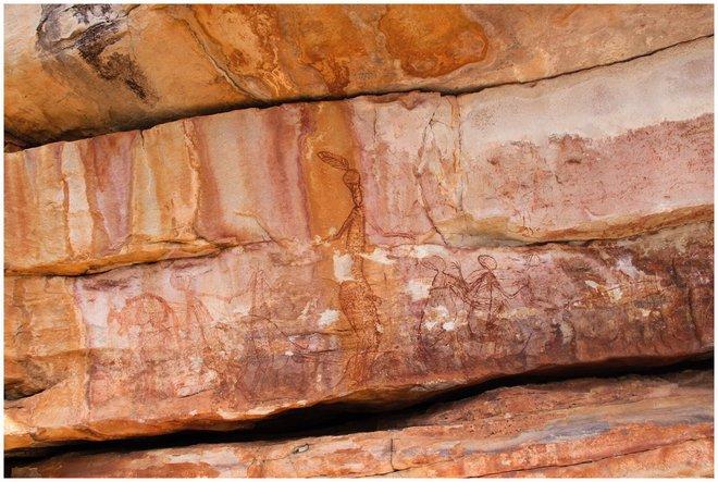 Những bức vẽ khổng lồ trên đá tiết lộ cuộc sống của thổ dân Australia gần 10.000 năm trước - Ảnh 5.