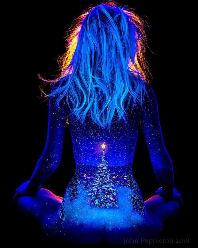 Chiêm ngưỡng loạt tác phẩm nghệ thuật body paiting đặc sắc chỉ tỏa sáng trong đêm tối - Ảnh 3.