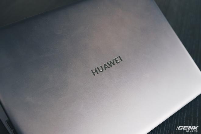 Đánh giá Huawei MateBook 13: Ultrabook tốt nếu người dùng chấp nhận vượt qua rào cản thương hiệu (và thời lượng pin tệ hại) - Ảnh 14.