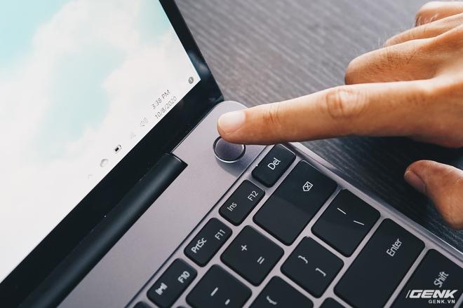 Đánh giá Huawei MateBook 13: Ultrabook tốt nếu người dùng chấp nhận vượt qua rào cản thương hiệu (và thời lượng pin tệ hại) - Ảnh 12.
