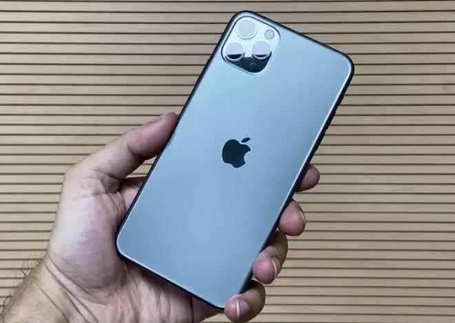 Q2/2020: Apple và Samsung tiếp tục thống trị doanh số smartphone toàn cầu, iPhone 11 bán chạy nhất, bỏ xa đối thủ Galaxy A51 - Ảnh 1.
