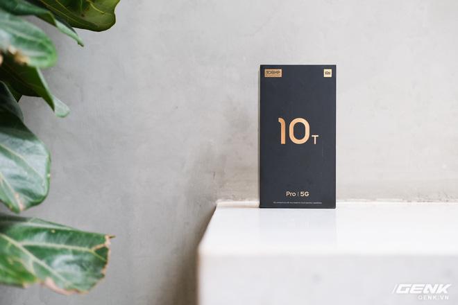 Trên tay Xiaomi Mi 10T Pro 5G: Mặt lưng bóng bẩy, màn LCD 144Hz, cấu hình mạnh dư sức chơi Genshin Impact mức cao nhất - Ảnh 1.