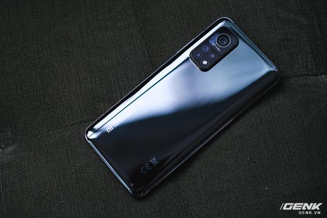 Trên tay Xiaomi Mi 10T Pro 5G: Mặt lưng bóng bẩy, màn LCD 144Hz, cấu hình mạnh dư sức chơi Genshin Impact mức cao nhất - Ảnh 5.