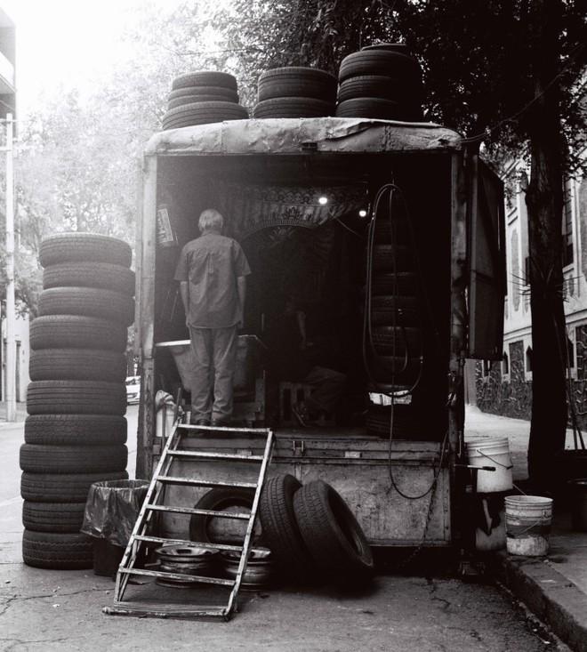 Cách chụp ảnh như nữ nhiếp ảnh gia đường phố Vivian Maier - Ảnh 6.