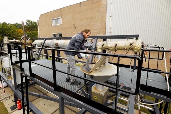 Nhà máy sản xuất bia ở Hà Lan là nơi đầu tiên đốt bột sắt thay nhiên liệu hóa thạch, thu về kết quả khả quan bất ngờ - Ảnh 1.