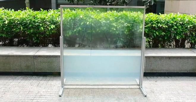 Thử nghiệm loại kính cửa sổ bằng chất lỏng mới giúp giảm nhiệt độ các tòa nhà và tiết kiệm điện năng - Ảnh 1.