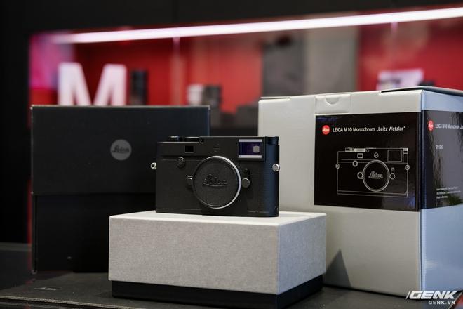 Trên tay Leica Q2 Monochrom đầu tiên tại Việt Nam: Phiên bản chỉ dành cho tín đồ đen trắng, loại bỏ logo chấm đỏ, chi tiết da bọc và lớp sơn được thay đổi, giá 155 triệu đồng - Ảnh 16.