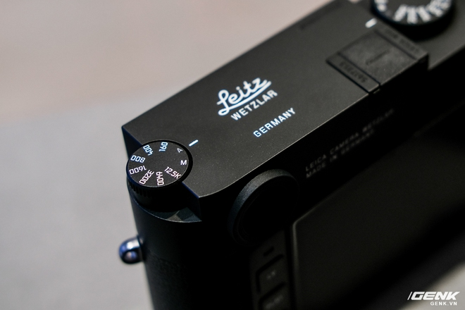 Trên tay Leica Q2 Monochrom đầu tiên tại Việt Nam: Phiên bản chỉ dành cho tín đồ đen trắng, loại bỏ logo chấm đỏ, chi tiết da bọc và lớp sơn được thay đổi, giá 155 triệu đồng - Ảnh 17.